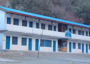 चिसोले मनाङ् र महोत्तरीका विद्यालय बन्द