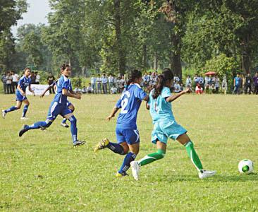 महिला फुटबल– नवलपरासीको विजयी शुरुवात (तस्वीरसहित)