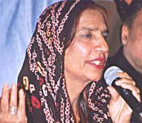 पाकिस्तानी लोकगायिका रेश्माको निधन