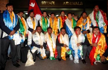 क्रिकेट टीमको भव्य स्वागत (फोटो फिचर)