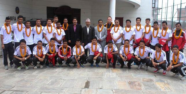 नेपाली राष्ट्रिय टीममा को–को परे
