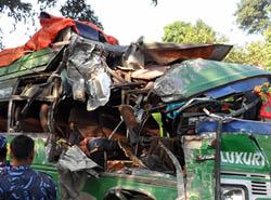 दुर्घटनामा एक विदेशीसहित १० को मृत्यु, ३१ घाइते