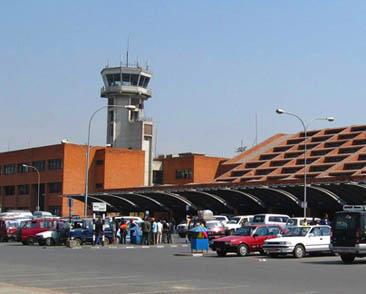 बाह्रैमास बेहाल त्रिभुवन विमानस्थल