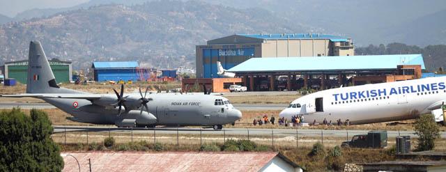 दुर्घटनामा परेकाे विमान हटाउन भारतबाट एयर फाेर्स अाइपुग्याे