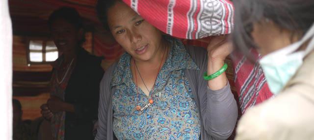 भूकम्पले गाउँ नै भत्किएपछि काठमाडाैंमा ताताेपानीबासी (तस्वीरहरु)