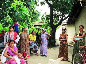 त्रासले चकमन्न टीकापुर क्षेत्र, युवाले गाउँ छोडे