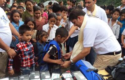 भूकम्प प्रभावित विद्यार्थीलाई स्कोप नेपालको सहयोग