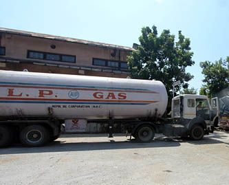 पेट्रोलियममा भारतको कडाई उस्तै