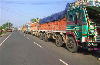 १३६ वटा ट्रक भित्रिंदा पेट्रोलियमको एउटै आएन