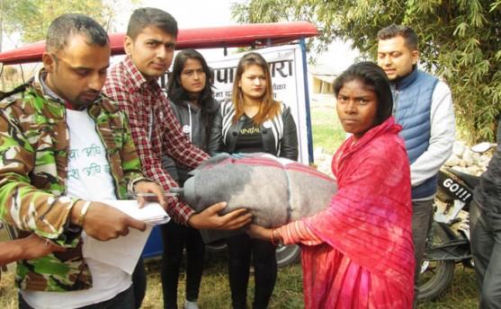 विवेकशील नेपालीद्वारा बारामा न्यानो लुगा वितरण