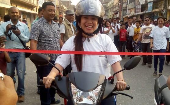 वीरगञ्ज: 'स्लो स्कुटी रेस' मा भारती गुरुङ् प्रथम