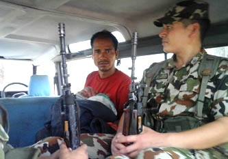 'नमोबुद्ध' बाघ मारेर फरार रहेका भारतबाट पक्राउ