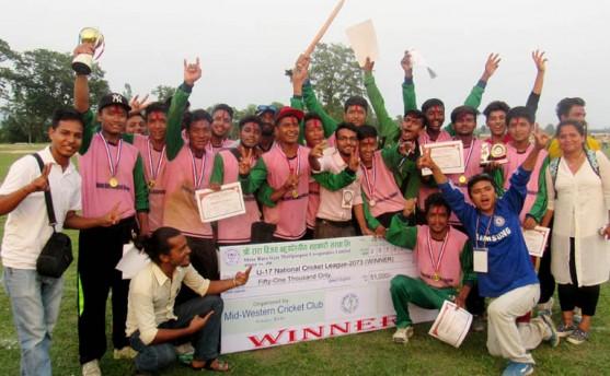 कोहलपुरमा सम्पन्न यु–१७ क्रिकेटको उपाधि मध्यपश्चिमलाई